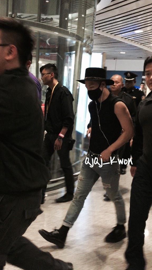 Taeyang Arrival Malaysia 2015-02-06.jpg