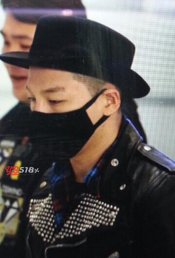 Tae Yang - Incheon Airport - 15feb2015 - YB 518 - 01.jpg