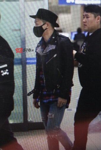 Tae Yang - Incheon Airport - 15feb2015 - YB 518 - 02.jpg