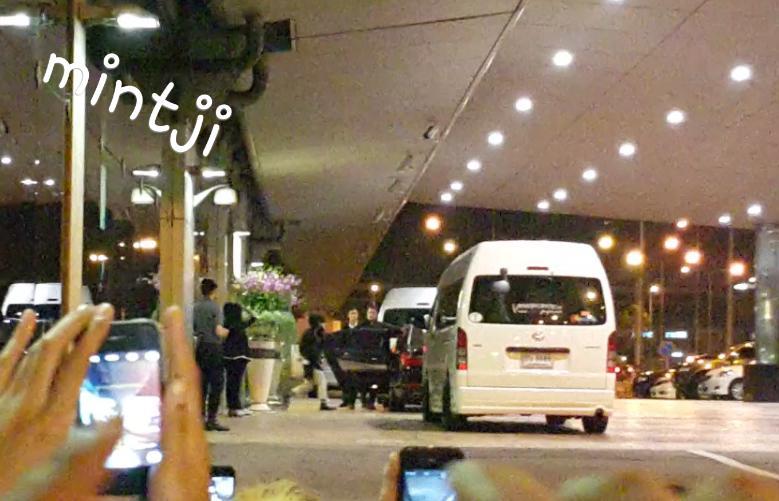 Tae Yang - Bangkok Airport - 20feb2015 - mintjiraporn - 01.jpg
