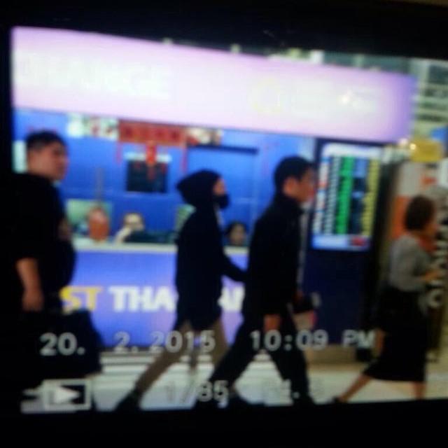 Tae Yang - Bangkok Airport - 20feb2015 - xximyb - 01.jpg