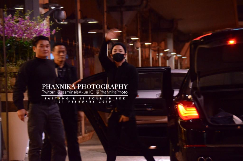 Taeyang leaving Bangkok 2015-02-22 - by JasmineisAkua 01.jpg