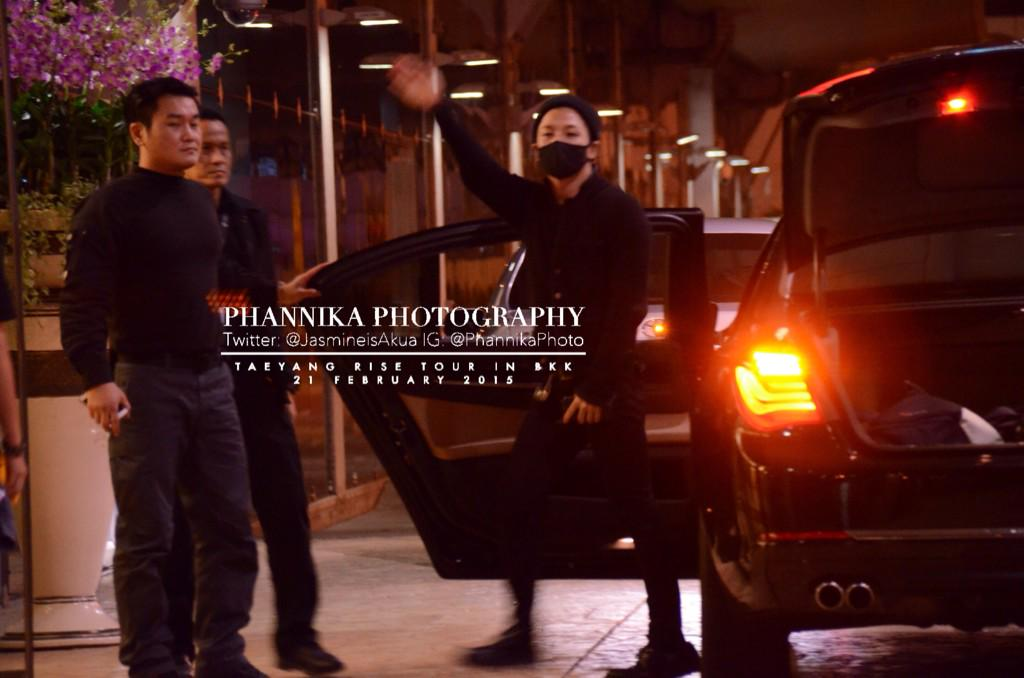 Taeyang leaving Bangkok 2015-02-22 - by JasmineisAkua 03.jpg