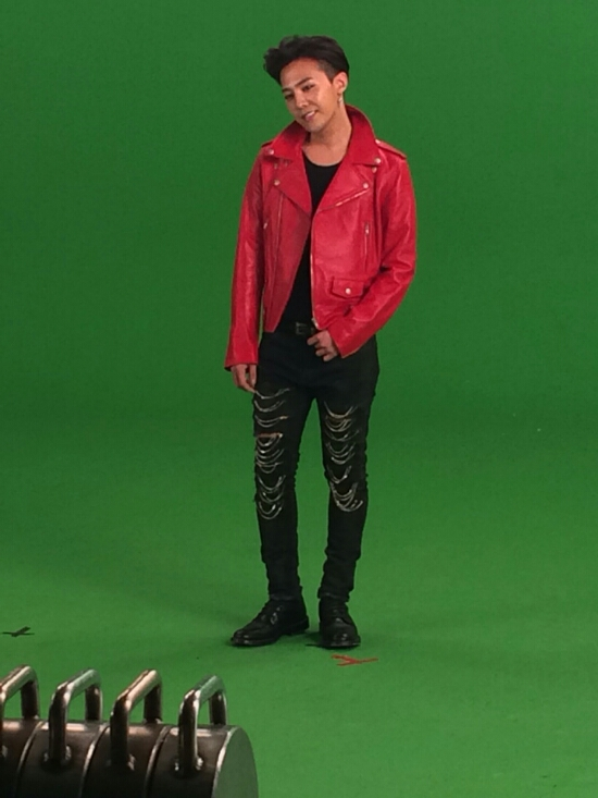 G-Dragon - Tower of Saviors - 2014 - BTS - 22.jpg
