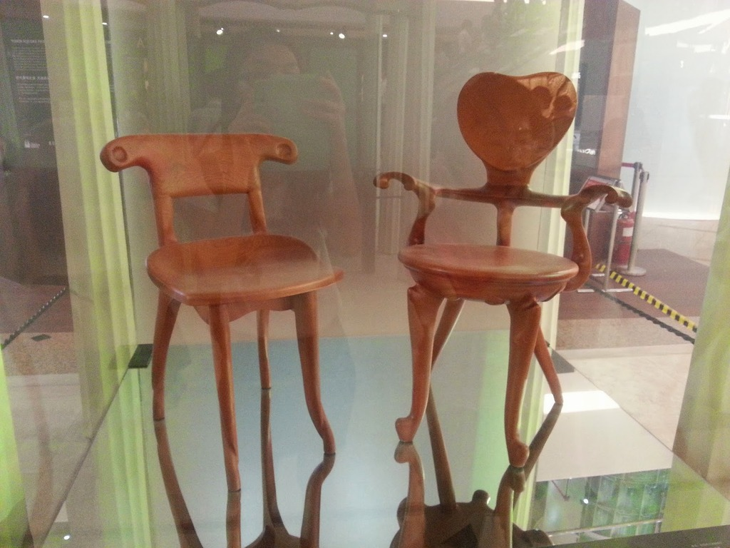 doomdada-chair-style.jpg