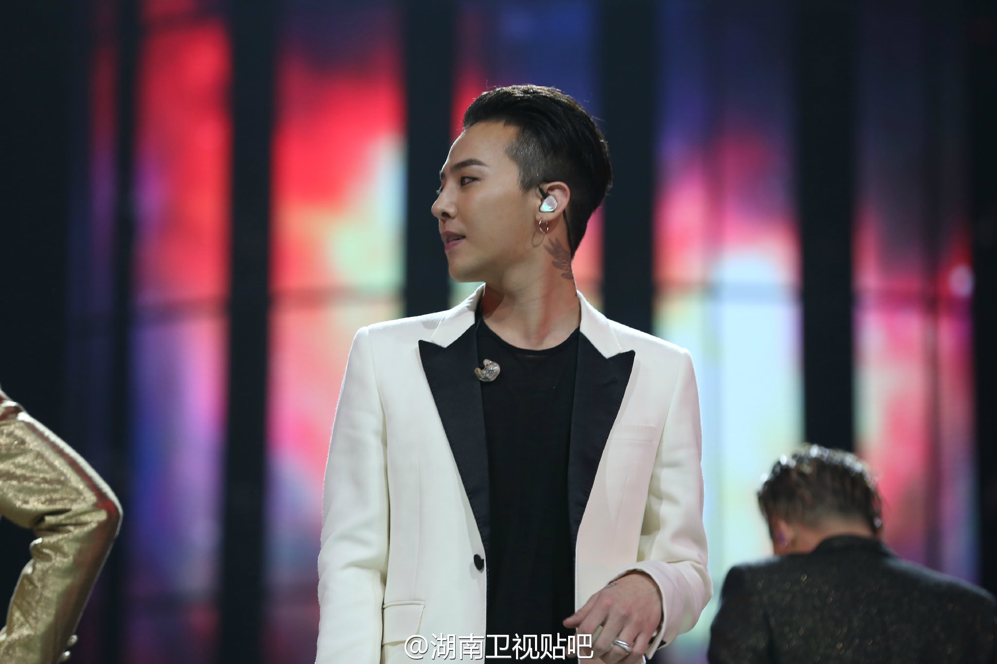 BIGBANG_Hunan_TV_2015-12-31_by_湖南卫视贴吧__3.jpg