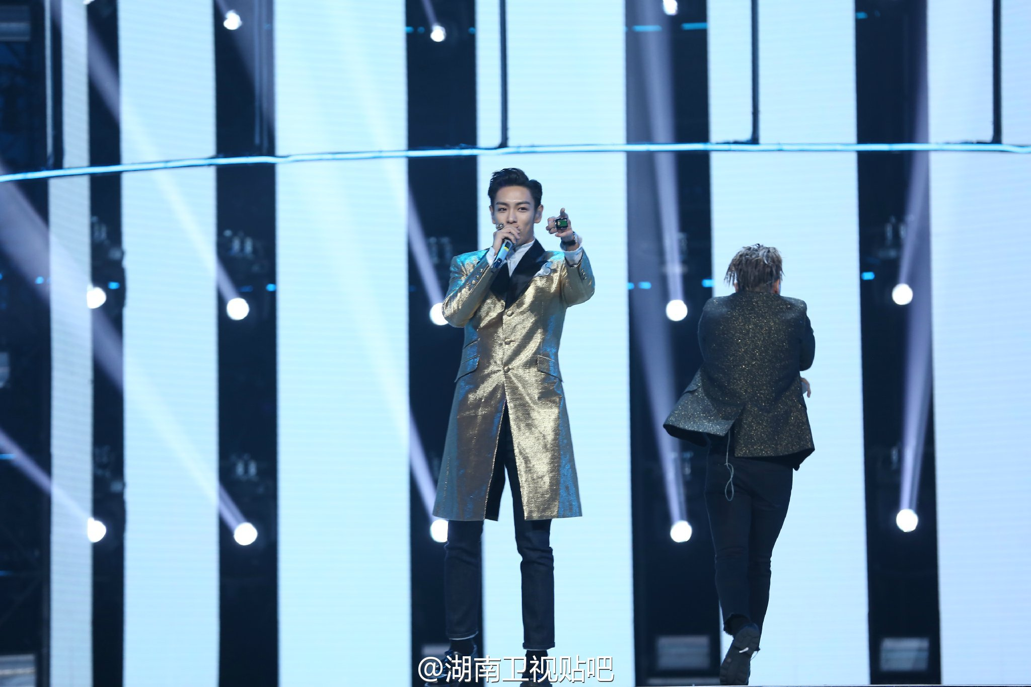 BIGBANG_Hunan_TV_2015-12-31_by_湖南卫视贴吧__6.jpg