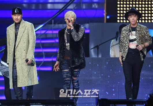 Taeyang-GoldenDisc-Awards-mainshow-20150114-Press-2.jpg