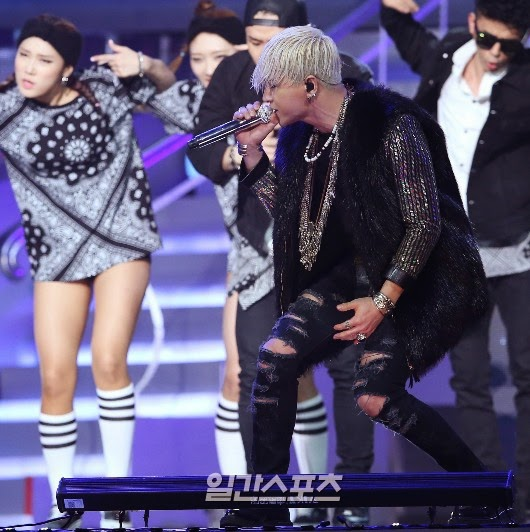 Taeyang-GoldenDisc-Awards-mainshow-20150114-Press-4.jpg