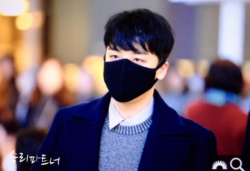 Big Bang - Kansai Airport - 19jan2015 - Seung Ri - Partnervi - 02 copy.jpg