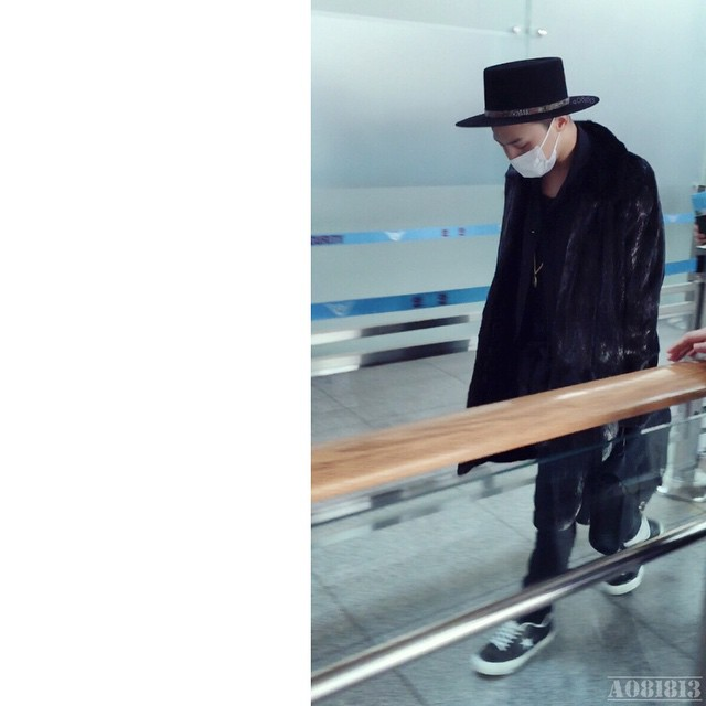 G-Dragon - Incheon Airport - 24jan2015 - a081813 - 01.jpg