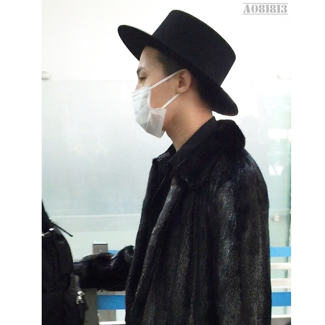 G-Dragon - Incheon Airport - 24jan2015 - a081813 - 02.jpg