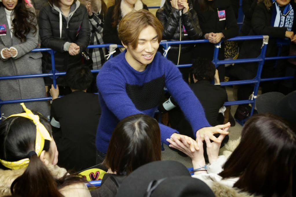 Dae Sung - YGEX Staff - 09feb2015 - 04.jpg