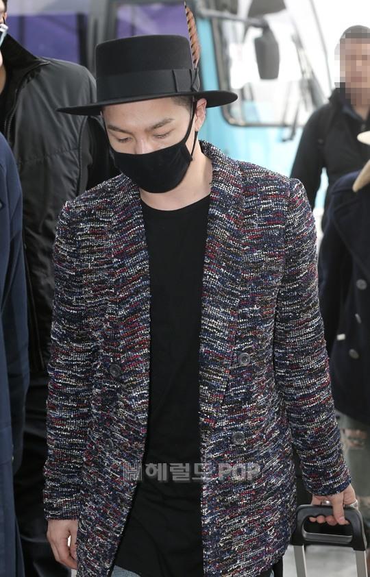 Big Bang - Incheon Airport - 21mar2015 - Tae Yang - Herald Corp - 03.jpg