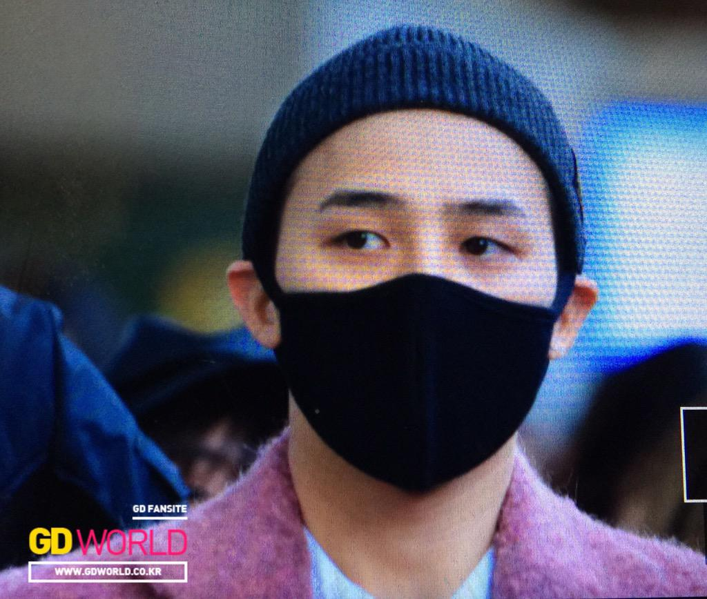 Big Bang - Incheon Airport - 22mar2015 - G-Dragon - GD World - 02.jpg