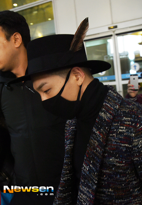Big Bang - Incheon Airport - 22mar2015 - Tae Yang - Newsen - 03.jpg