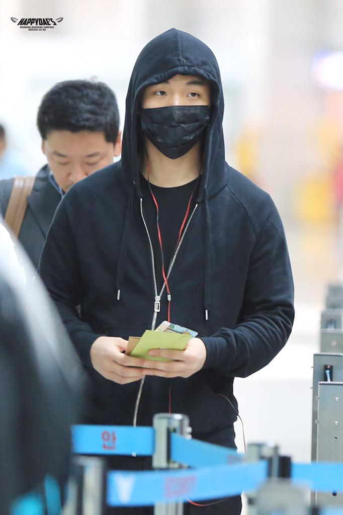 Big Bang - Incheon Airport - 01apr2015 - Dae Sung - Happy_daes - 01.jpg