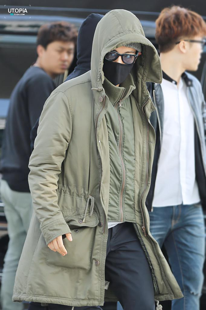 Big Bang - Incheon Airport - 01apr2015 - TOP - Utopia - 01.jpg