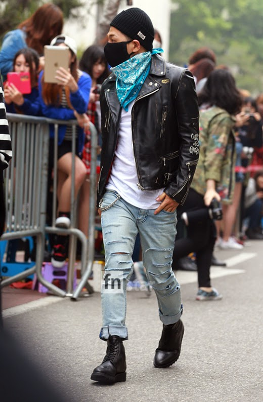 Taeyang BIGBANG KBS Music Bank arrival 2015-05-15 PRESS017.jpg