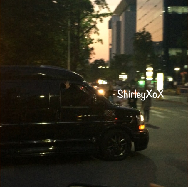 GD-waving-leaving-KBS by hi_shirleyloxx.jpg