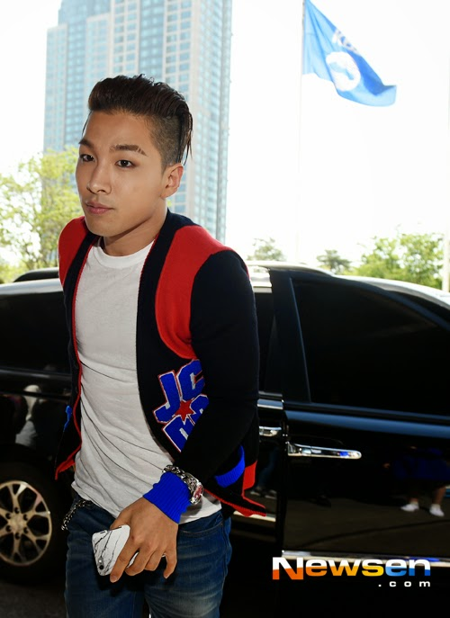 BIGBANG KBS Happy TogetherArrival PRESS 2015-05-16 03.jpg