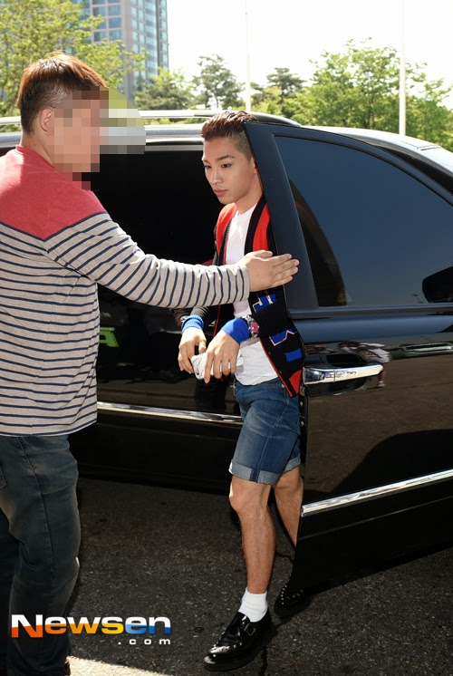 BIGBANG KBS Happy TogetherArrival PRESS 2015-05-16 05.jpg