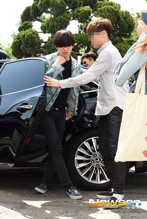 BIGBANG KBS Happy TogetherArrival PRESS 2015-05-16 09.jpg