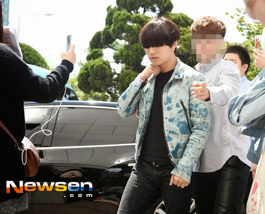 BIGBANG KBS Happy TogetherArrival PRESS 2015-05-16 10.jpg