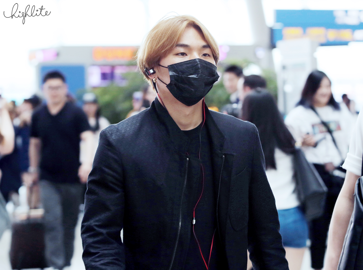 HQs BIGBANG Incheon to Guangzhou 2015-05-29 highlight 003.jpg
