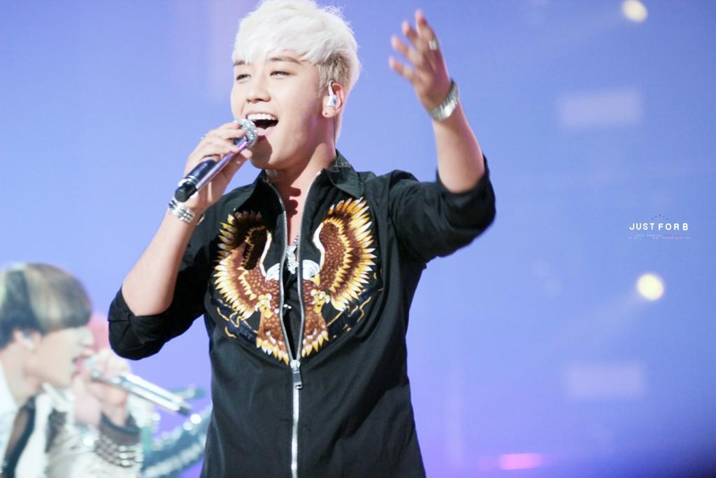 BIGBANG KBS Sketchbook main performance HQs 005.jpg