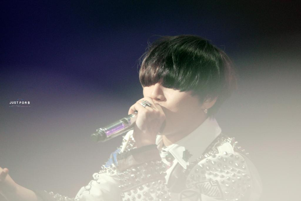 BIGBANG KBS Sketchbook main performance HQs 006.jpg