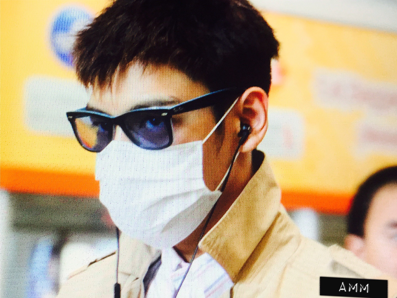 Big Bang - Beijing Airport - 05jun2015 - TOP - Cammcm - 02.jpg