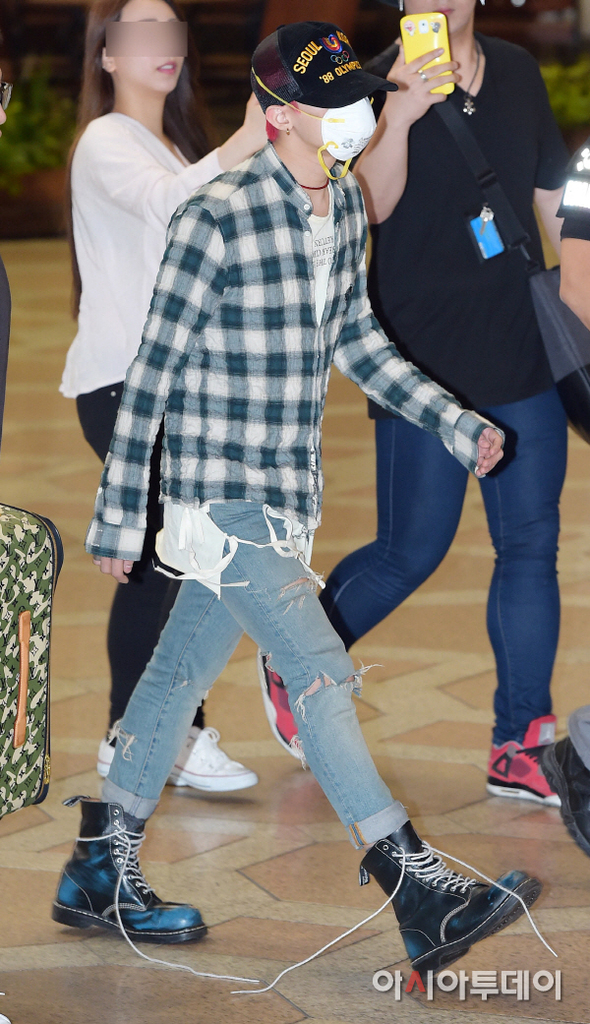 BIGBANG Gimpo Airport to Beijing PRESS 2015-06-05 011.jpg