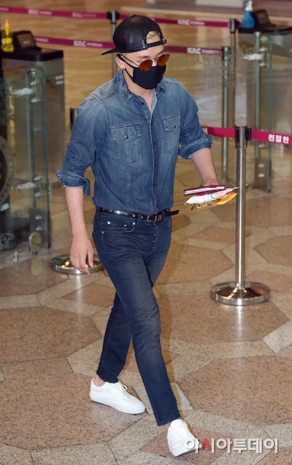 BIGBANG Gimpo Airport to Beijing PRESS 2015-06-05 012.jpg