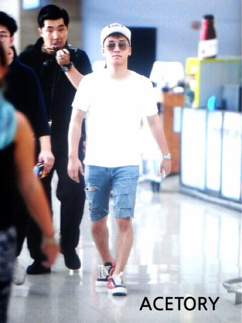 BIGBANG - Incheon Airport - 07aug2015 - Acetory - 02.jpg