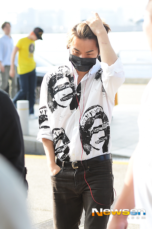 Big Bang - Incheon Airport - 07aug2015 - Newsen - 03.jpg