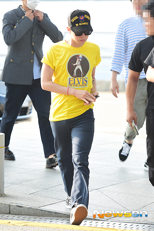 BIGBANG - Incheon Airport - 07aug2015 - Newsen - 06.jpg