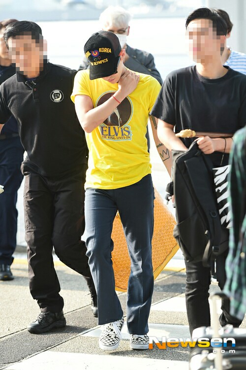 BIGBANG - Incheon Airport - 07aug2015 - Newsen - 07.jpg
