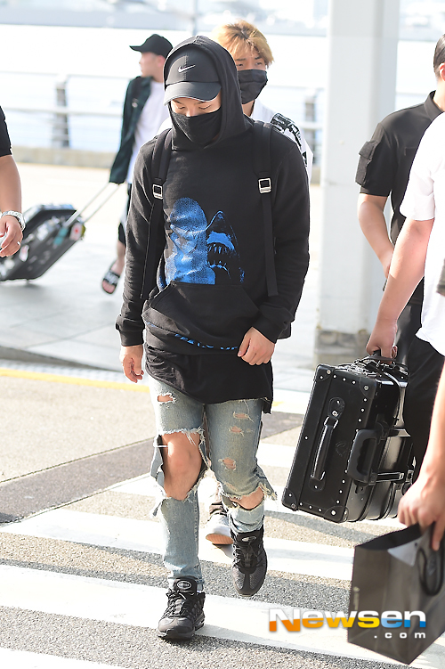 Big Bang - Incheon Airport - 07aug2015 - Newsen - 12.jpg