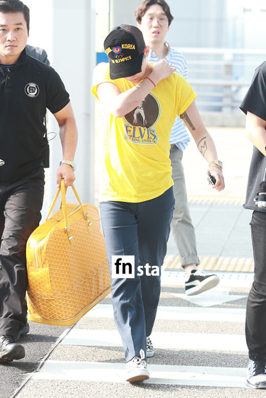 Big Bang - Incheon Airport - 07aug2015 - fnstar - 02.jpg