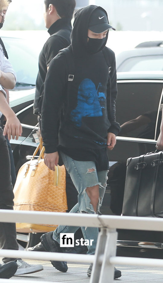 BIGBANG - Incheon Airport - 07aug2015 - fnstar - 05.jpg