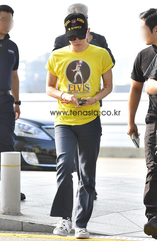 BIGBANG - Incheon Airport - 07aug2015 - tenasia - 10.jpg