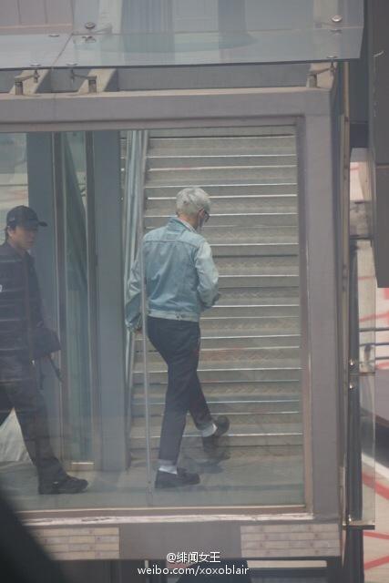 BIGBANG Departure Chengdu to Shanghai to Seoul 2015-08-15 (9).jpg