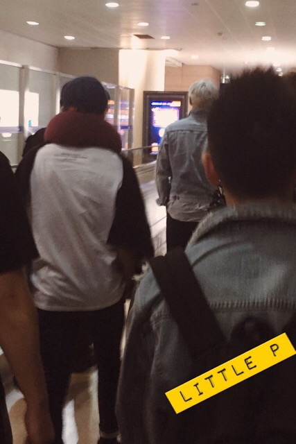 BIGBANG changing Planes in Shanghai 2015-08-15 (5).jpg
