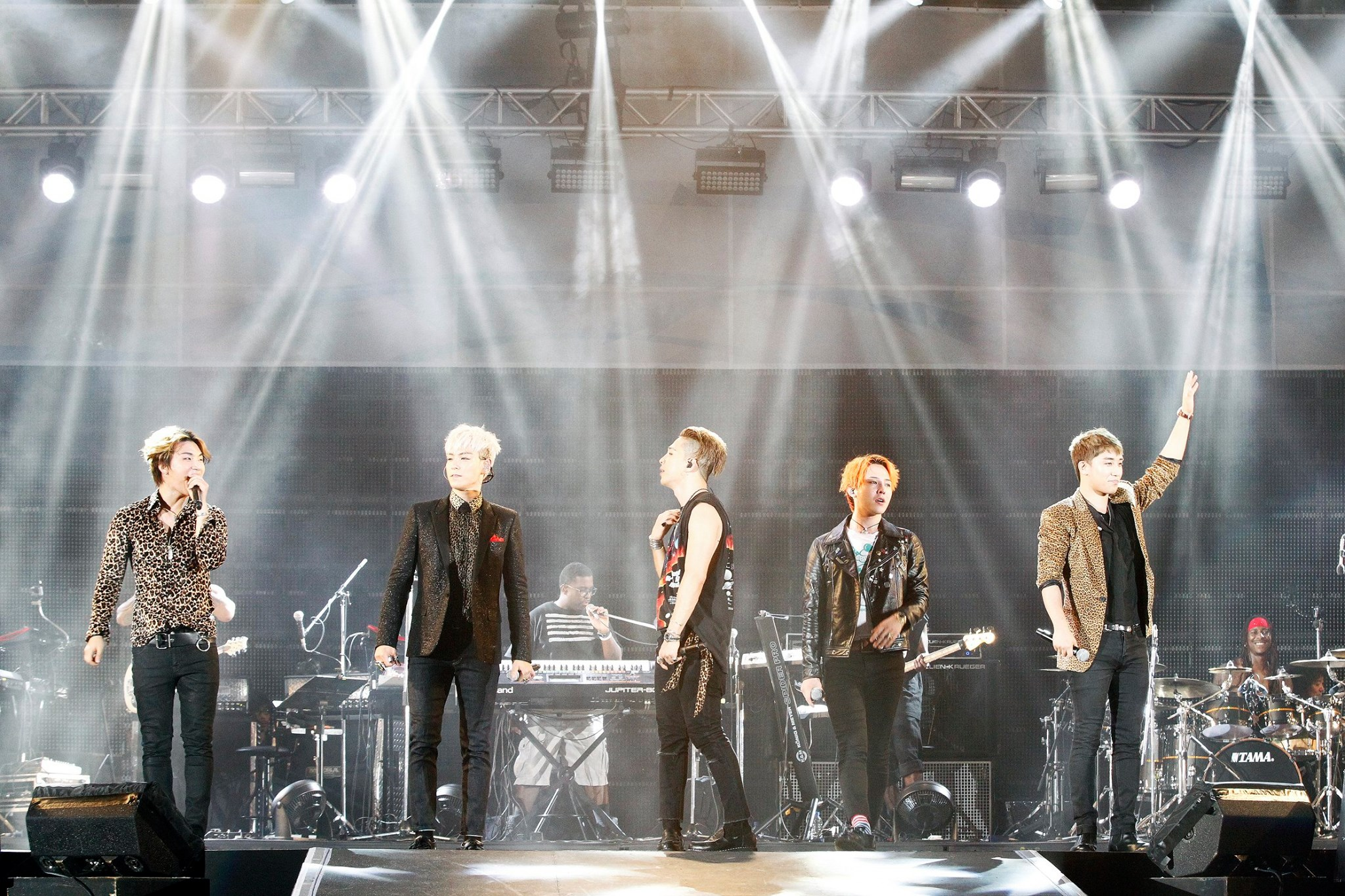 AVEX BIGBANG ANATION 2015-08-22.jpg
