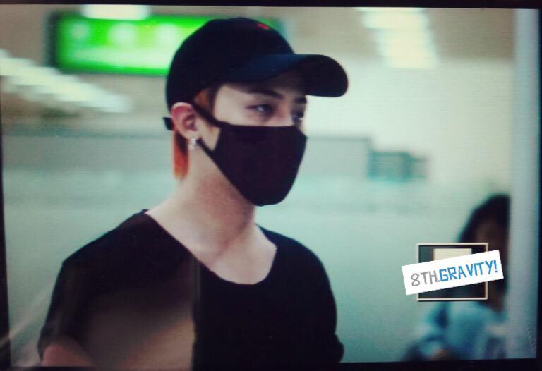 BIGBANG - Gimpo Airport - 23aug2015 - 8thGravity - 01.jpg