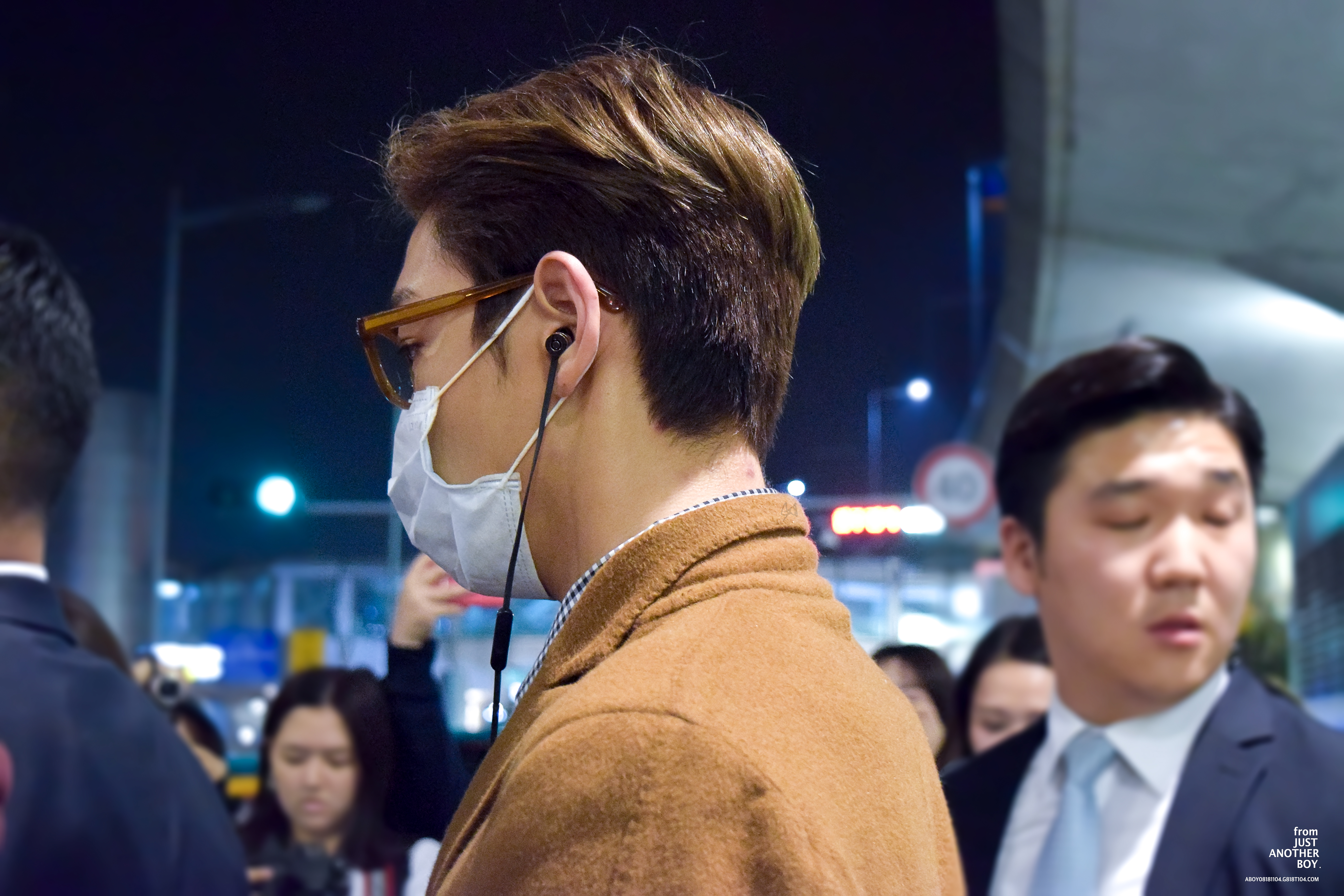 TOP - Incheon Airport - 06nov2015 - justanotherboytg - 03.jpg