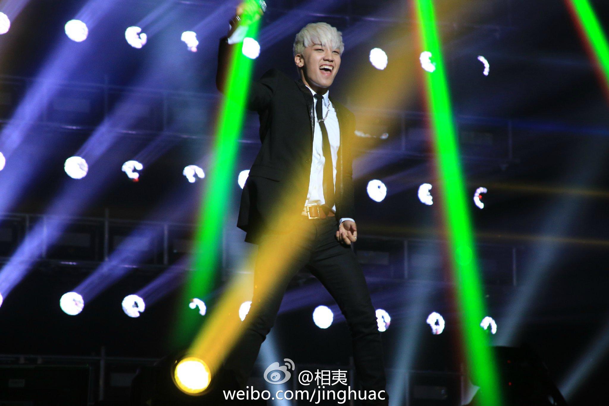 BIGBANG Live in Guangzhou Day 1 2015-05-30 by ?? 5.jpg