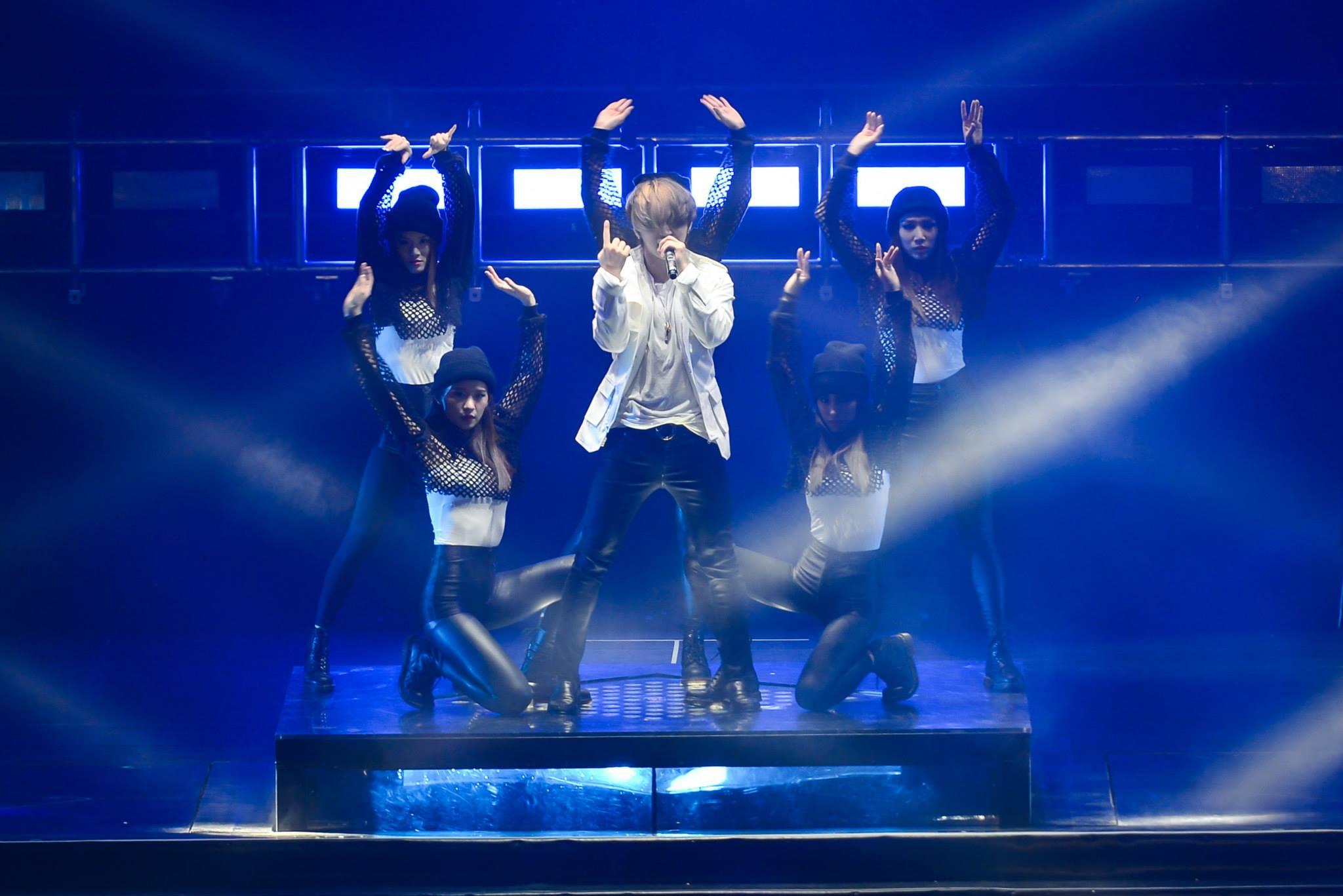 BIGBANG MADE in Malaysia Day 1 2015-07-24 IME Productions 002.jpg