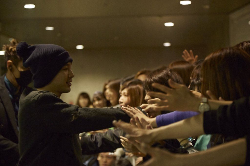 BIGBANG - Made Tour - Tokyo - Backstage - 13nov2015 - YGEXStaff - 01.jpg